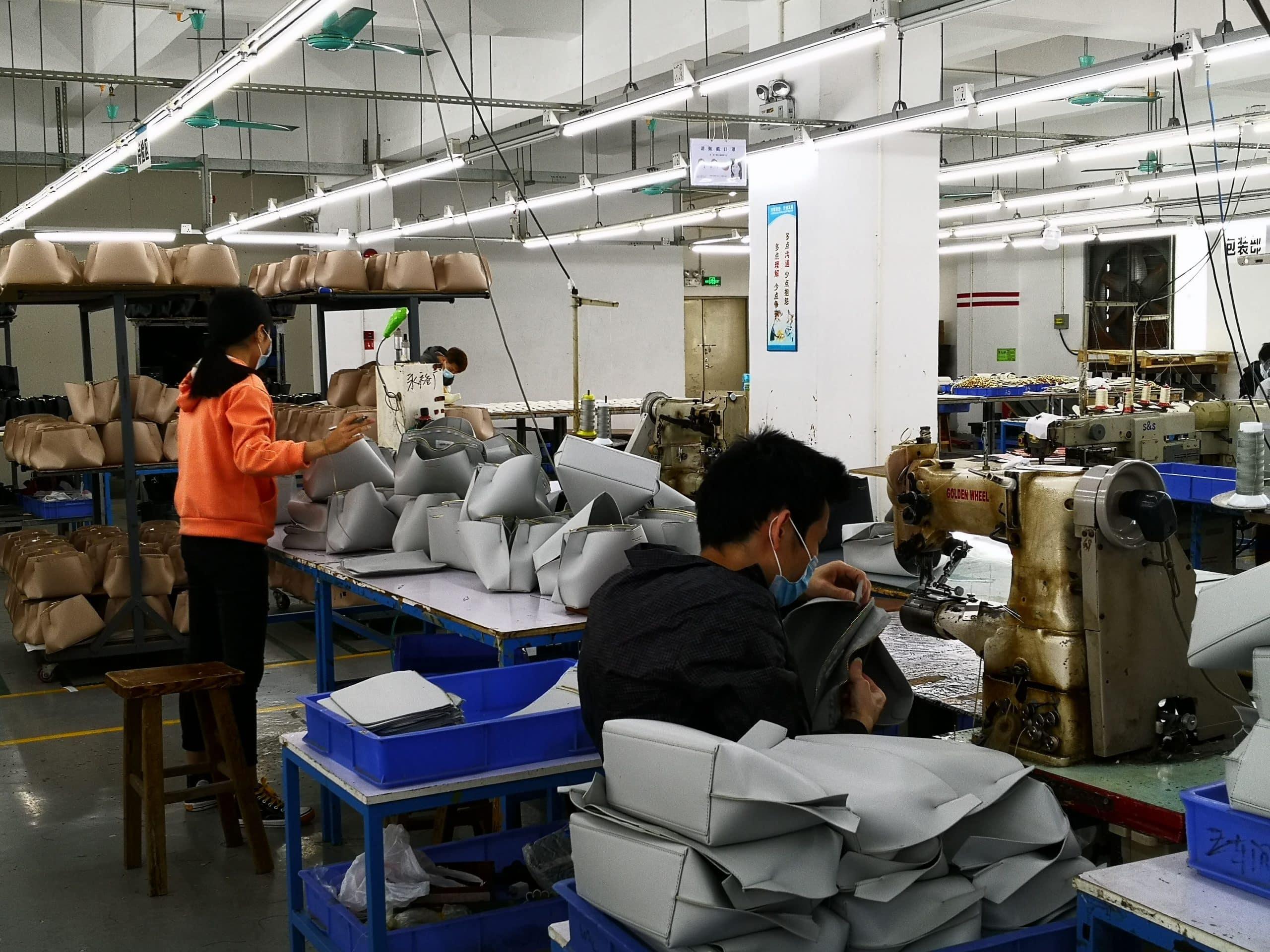 minray factory hand bag workshop